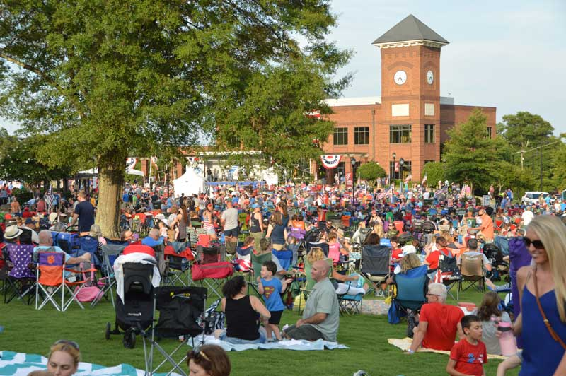 Thousands came out to Greer City Park to show their patriotism and support for our military and veterans with live entertainment.