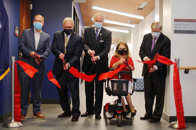 (L-R) Greenville Mayor Knox White, BJU President Steve Pettit, South Carolina Governor Henry McMaster, BJU School of Health Professions Dean Dr. Jessica Minor and U.S. Senator Lindsey Graham cut the ribbon to officially open the new facility for the School of Health Professions.  PC: Derek Eckenroth/BJU
