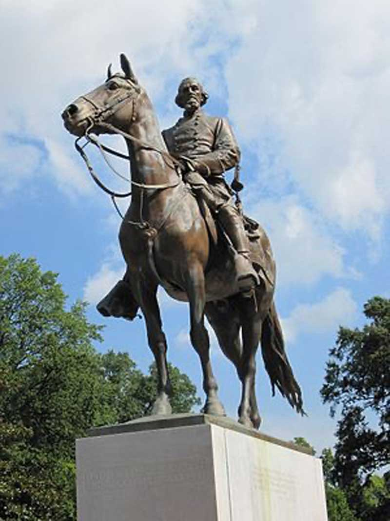 Nathan Bedford Forrest, Statue in Memphis park 2010, Removed by PC politicians 2017.